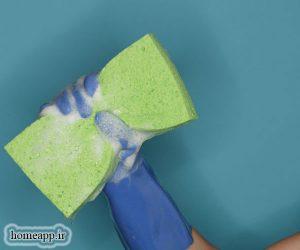 اسفنج برای تمیز کردن خانه